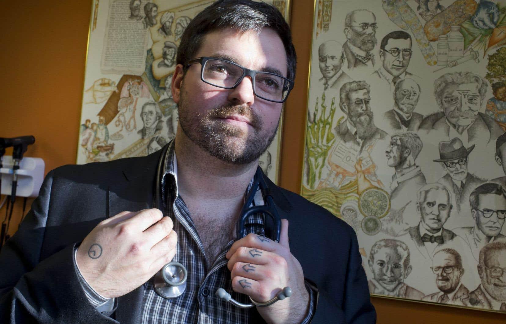 Le Dr Vincent Demers se consacre à ce qu'il appelle les « populations oubliées ».