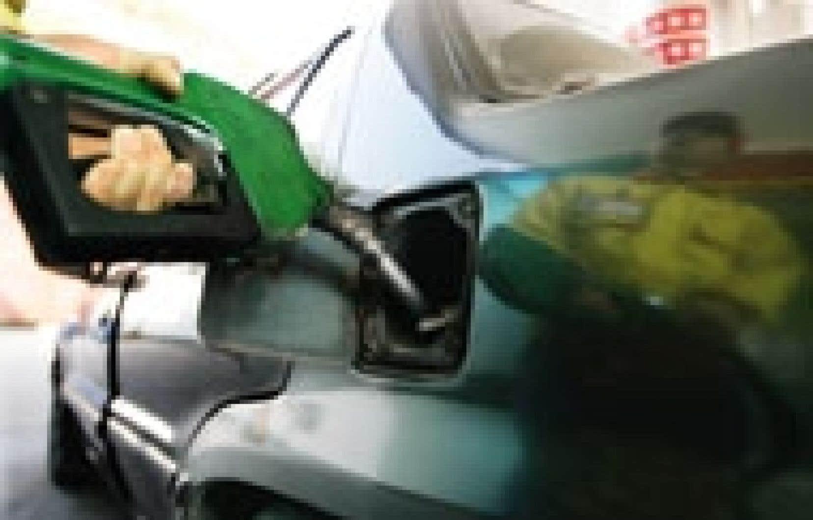 La Régie de l'énergie estime qu'en exploitant une station-service à Saint-Jérôme, Costco exerce une telle pression à la baisse sur les prix de l'essence dans cette région que la survie des indépendants est menacée.
