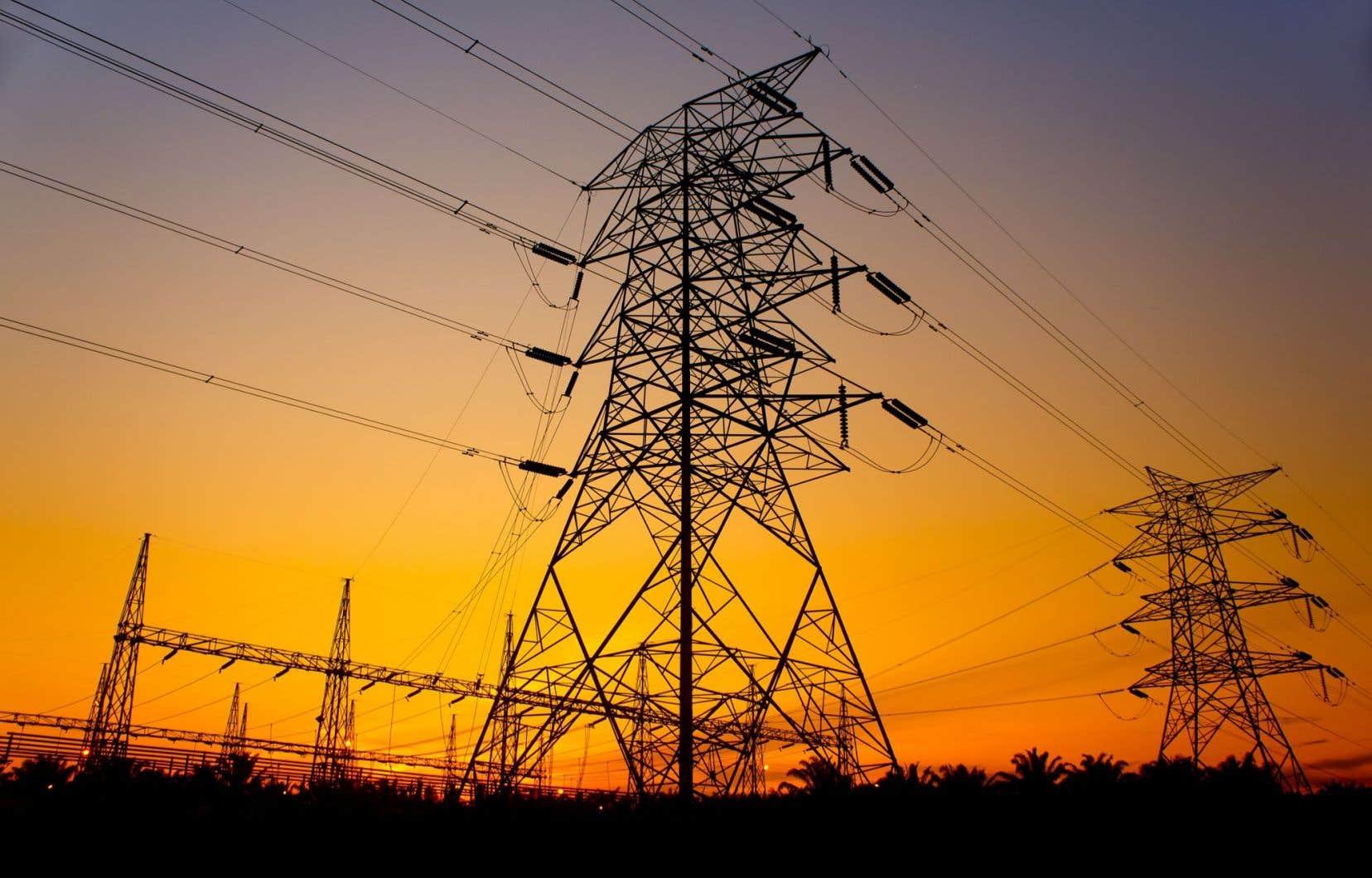 Compte tenu de l'énorme potentiel hydroélectrique et éolien dans l'est du Canada, il serait avantageux d'étendre les lignes de transmission de l'électricité afin d'interconnecter toutes les provinces de l'Est.