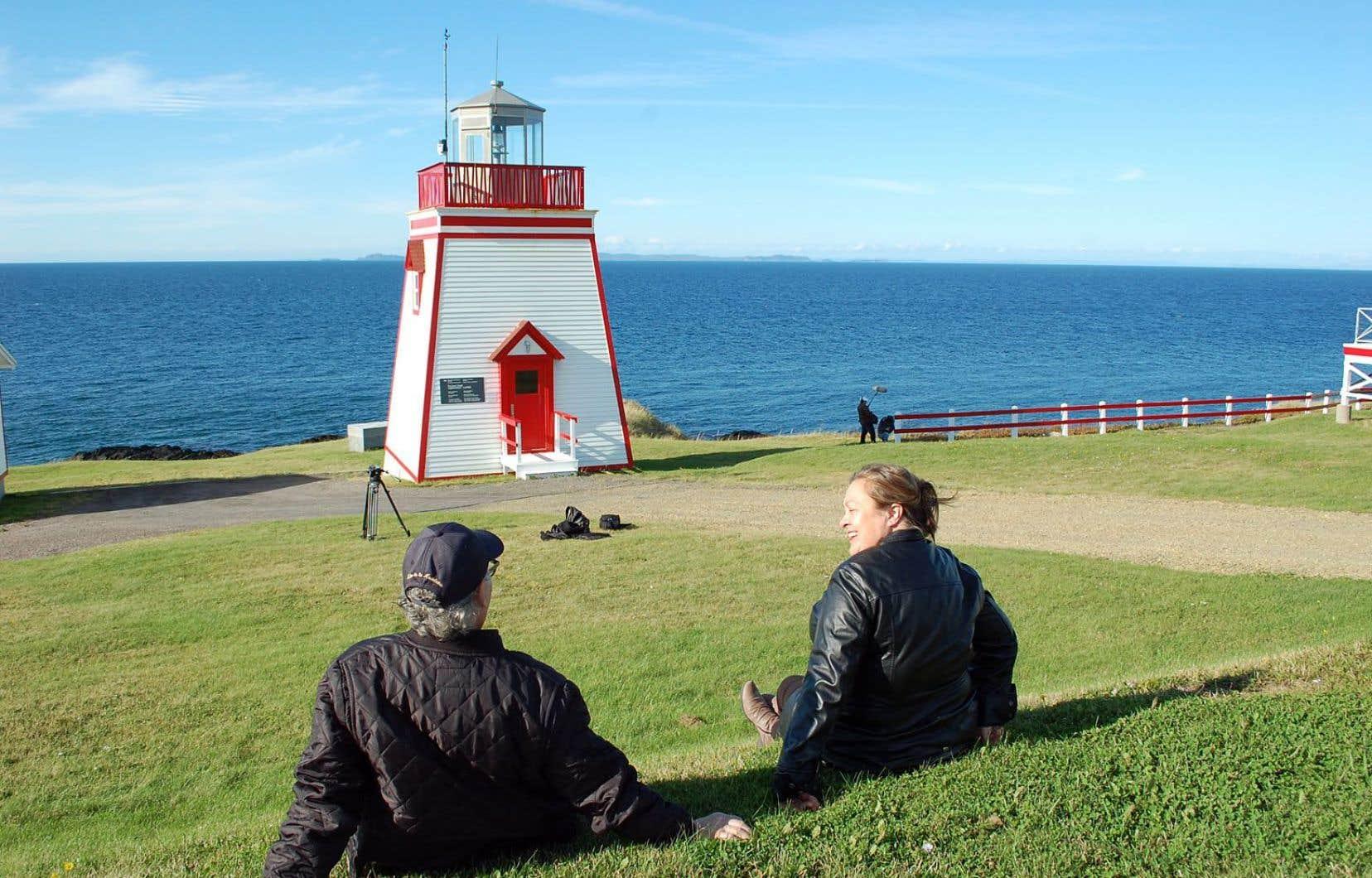 «Le chant du phare» fait le tour de plusieurs de ces lumières géantes du Saint-Laurent en donnant voix à ceux qui les ont gardées.