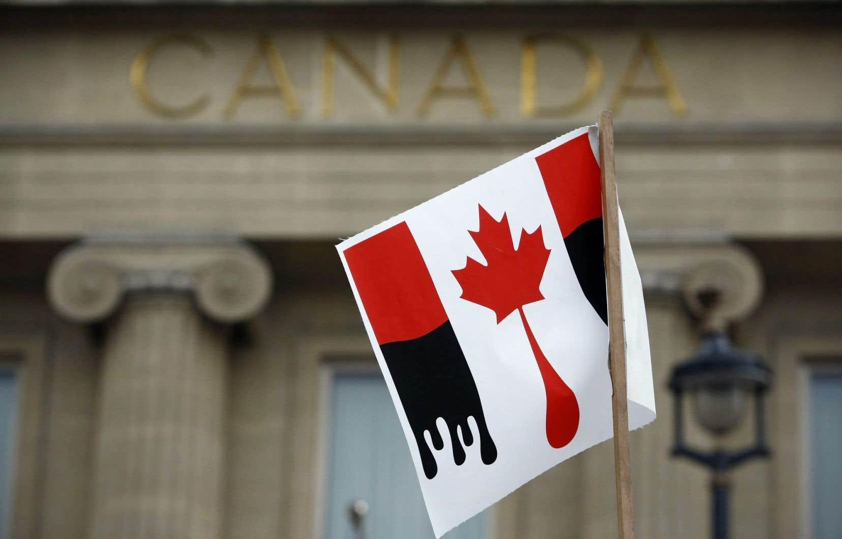 À cause des règles européennes sur les émissions de gaz à effet de serre, les importations de pétrole canadien deviendraient très peu attirantes pour les raffineries européennes.
