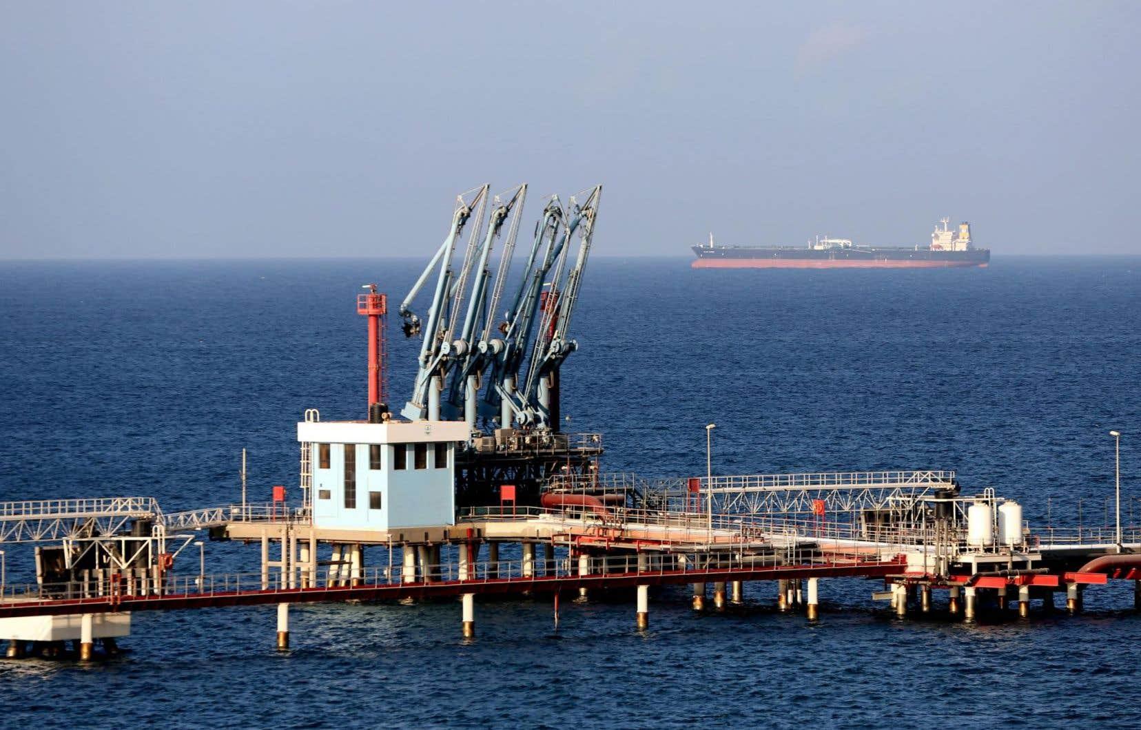 Le port pétrolier d'Harika, en Libye, en août 2013