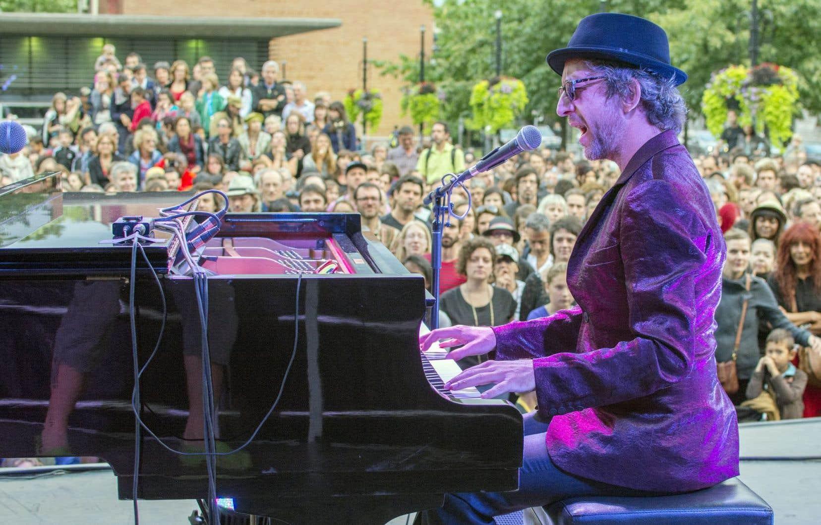 Arthur H, numéro 1 de ce palmarès franco étranger, en concert à Montréal en août dernier. Lui et nous, c'est l'amour fou!