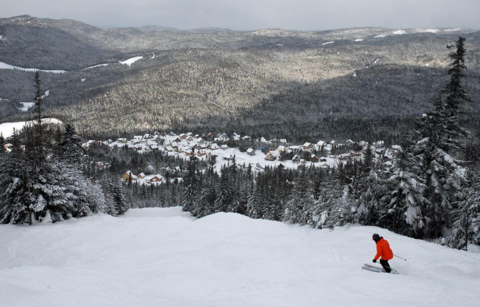Perché à 800 mètres d'altitude, dans un splendide cadre nimbé d'un microclimat, le Valinouët reçoit la bagatelle de six mètres de neige annuellement — neuf en 2008! —, contre trois mètres en moyenne ailleurs dans la blanche province.