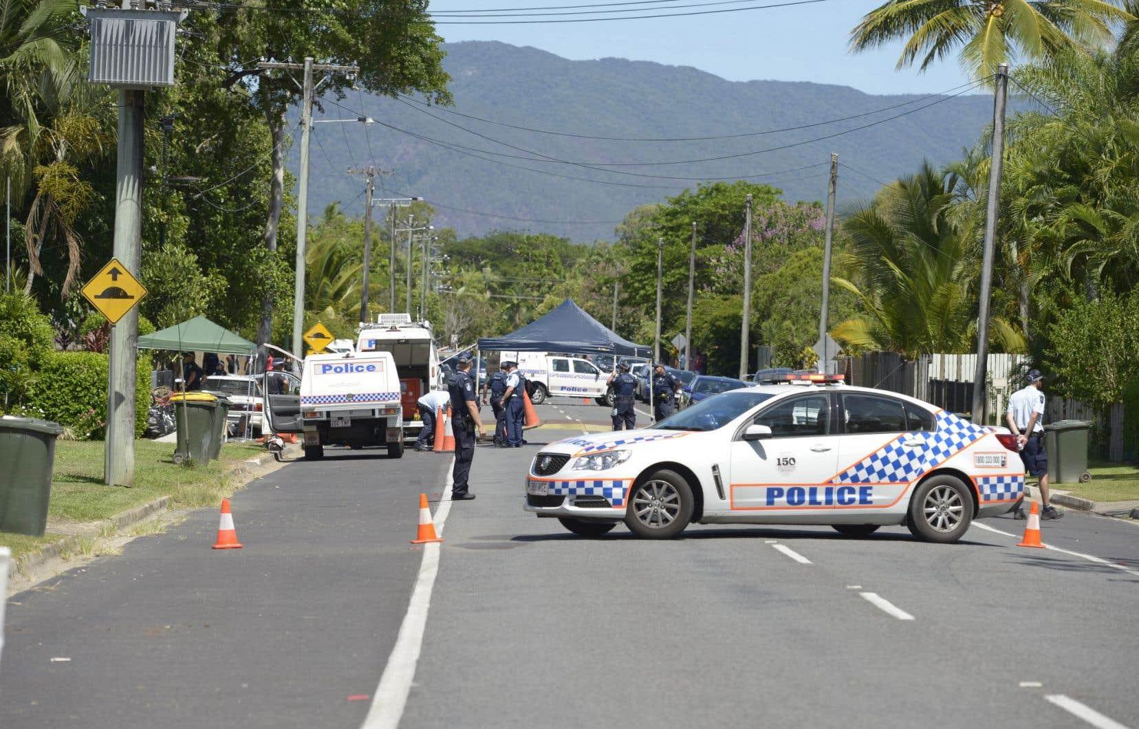 Plusieurs médias australiens rapportent que les enfants sont morts de coups portés à l'arme blanche.