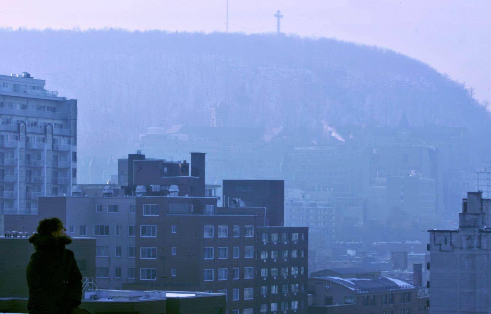 Si le nombre de « mauvaises » journées a augmenté à Montréal, celui où l'air était de qualité acceptable est demeuré stable. C'est le nombre de journées où l'air est « bon » qui en pâtit.<br />