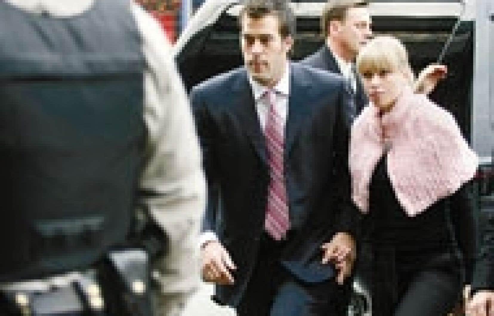 Mercredi, Bertuzzi a plaidé coupable à l'accusation de voies de fait ayant causé des lésions corporelles qui avait été portée contre lui. Le joueur étoile des Canucks de Vancouver a reçu une absolution conditionnelle, sentence qui pourrait lui
