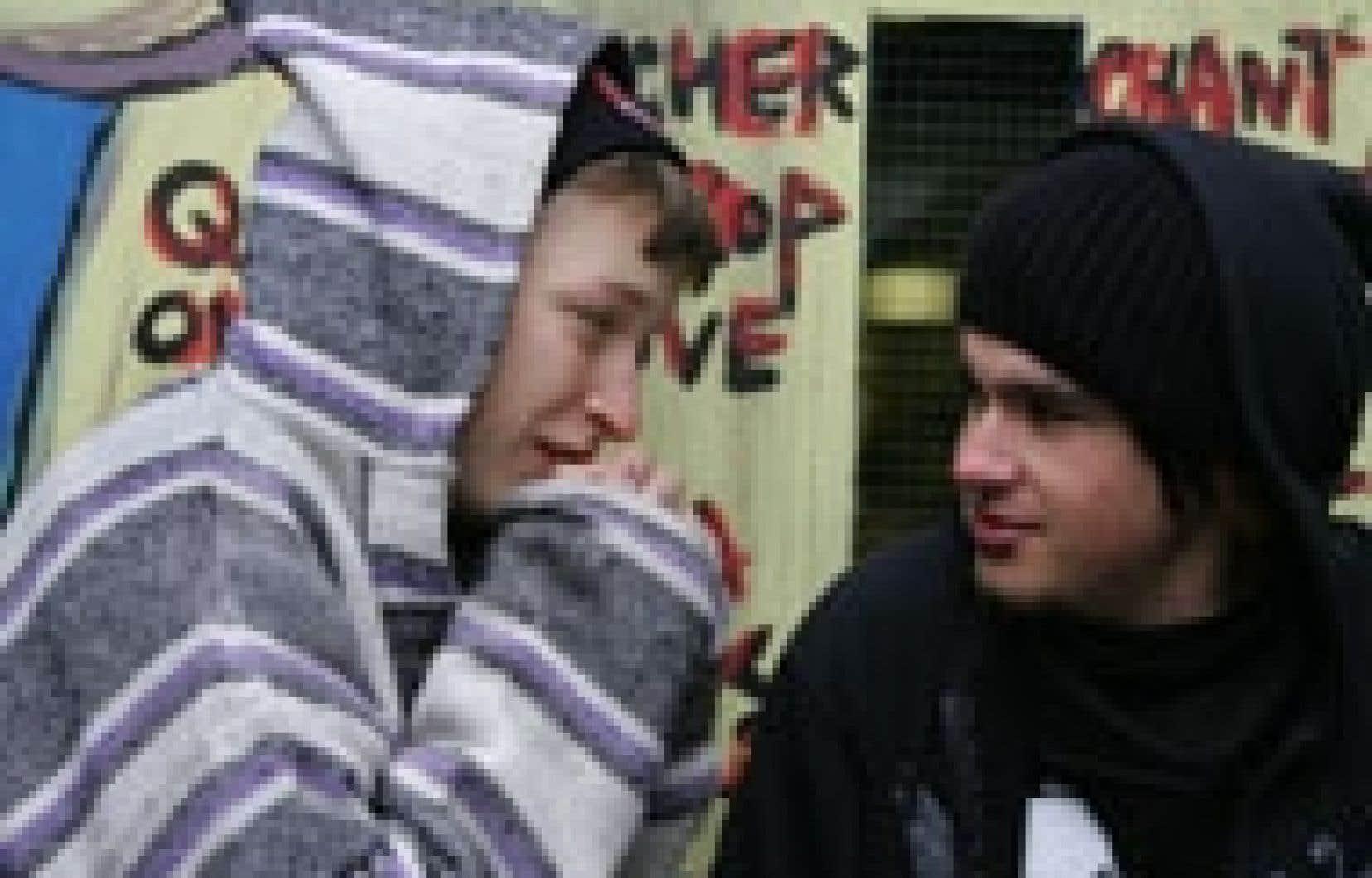 Certains, à l'intérieur de l'UQAM, estiment que leur université contribue au démantèlement des services offerts aux jeunes marginaux.