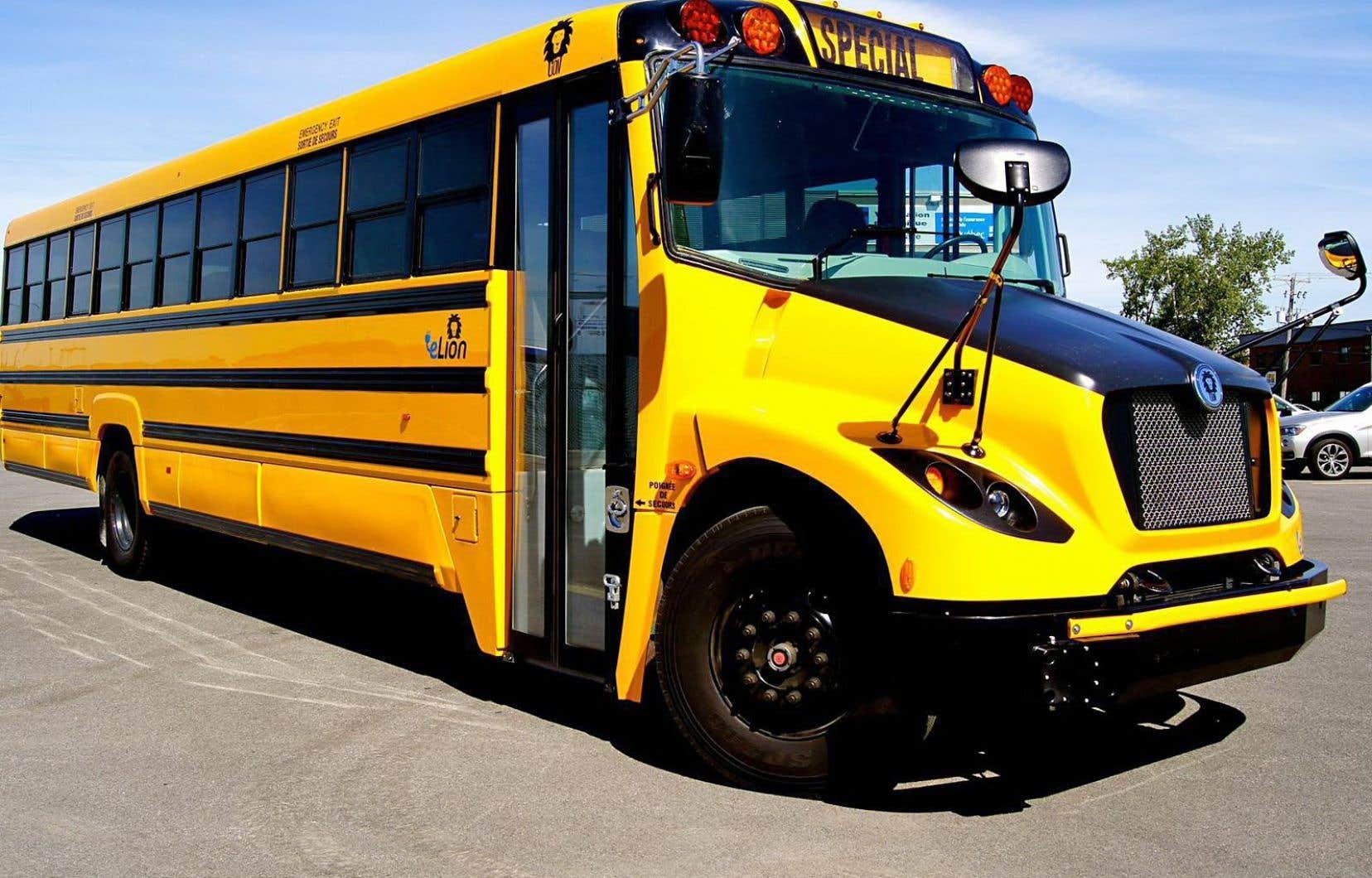 Les véhicules conçus par Autobus Lion ont une autonomie d'au moins 90 km, mais la grande majorité des bus scolaires circulent sur des trajets de 65 km et moins.