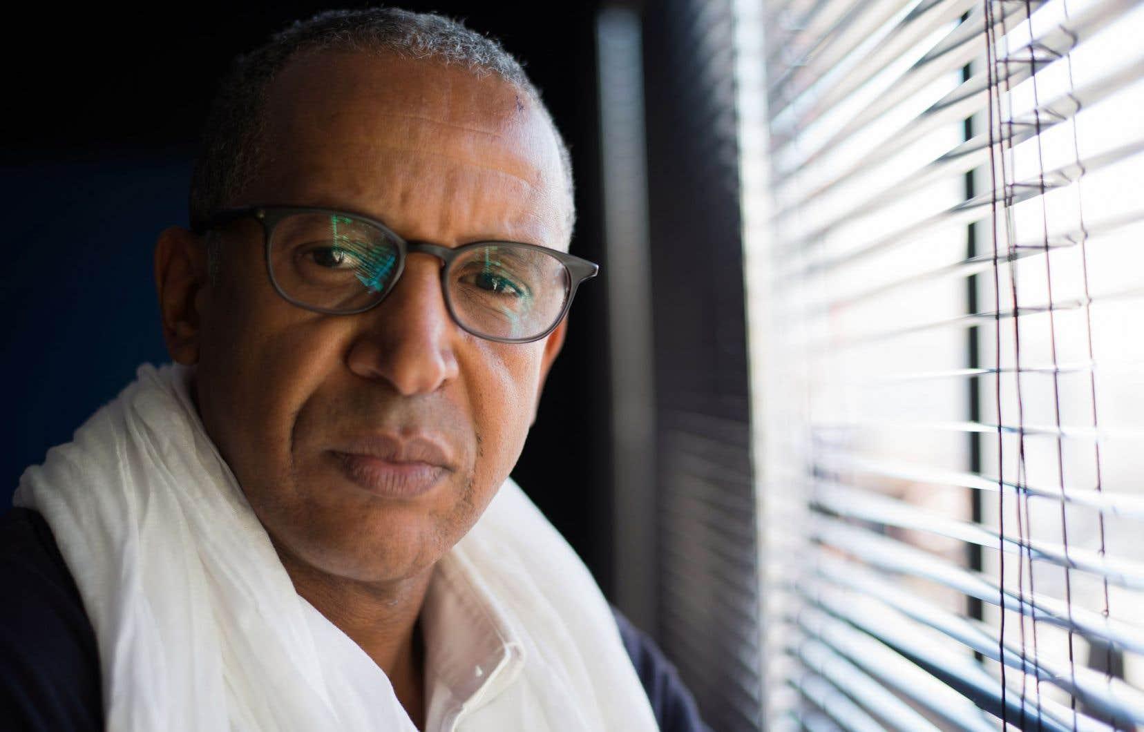 Le réalisateur mauritanien Abderrahmane Sissako a toujours été en proie à de multiples embûches pour financer et pour tourner ses films.