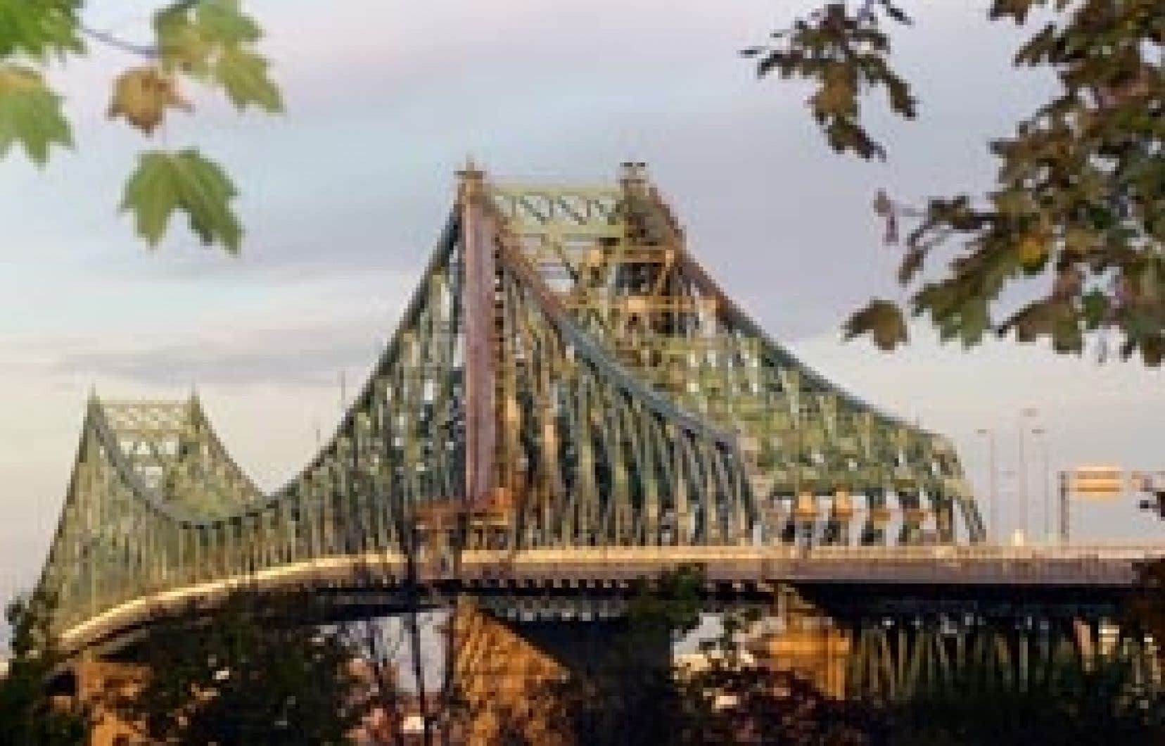 Le pont Jacques-Cartier a été construit en 1930, et ceux de ses piliers qui ont été construits avec des blocs de pierre résistent visiblement mieux que ceux construits en béton.
