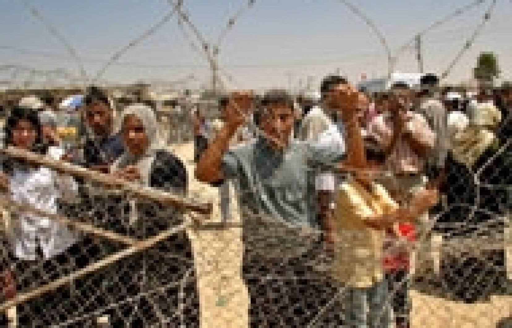 Attente au terminal de Rafah.