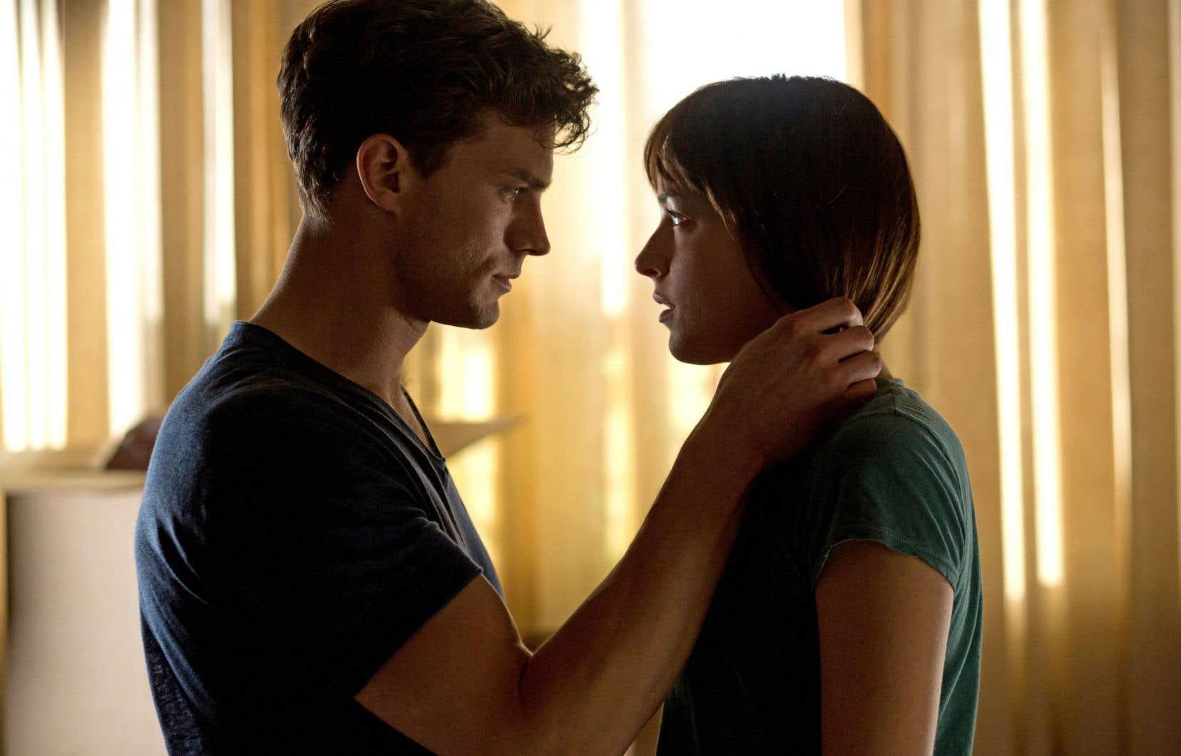 «Fifty Shades of Grey», de Sam Taylor-Johnson, se veut hautement sulfureux. Ce film a encore des croûtes à manger du côté de la représentation érotique.