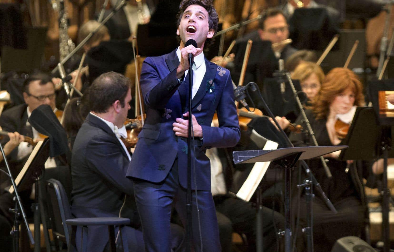 Le chanteur Mika avec l'Orchestre symphonique de Montréal