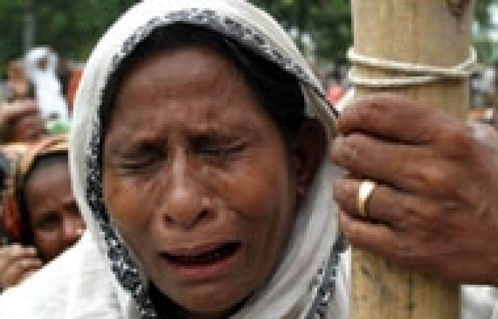 Cette femme, photographiée dans un refuge, a tout perdu dans les inondations qui affectent le Bangladesh.