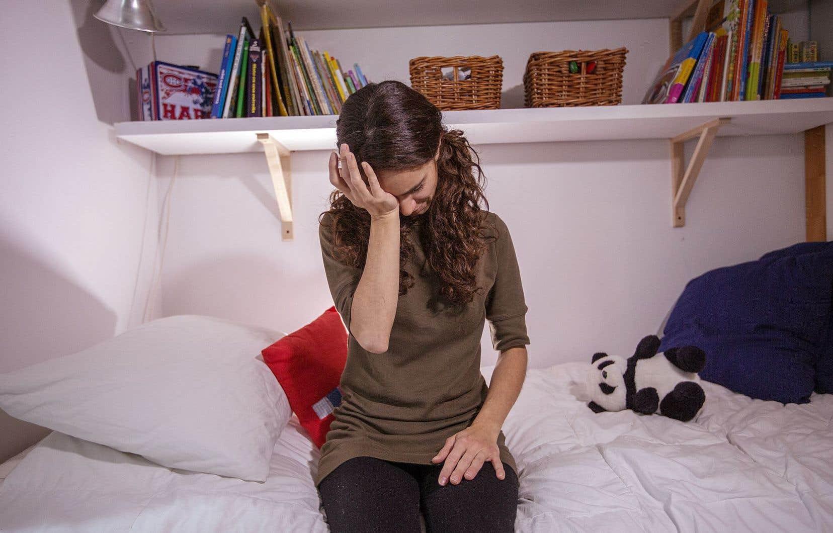 À l'heure actuelle, le traitement de première ligne et celui qui fonctionne le mieux, c'est la thérapie cognitivo-comportementale, contrairement aux <em>«somnifères, qui, à la longue, perdent de leur efficacité et rendent dépendant»</em>.