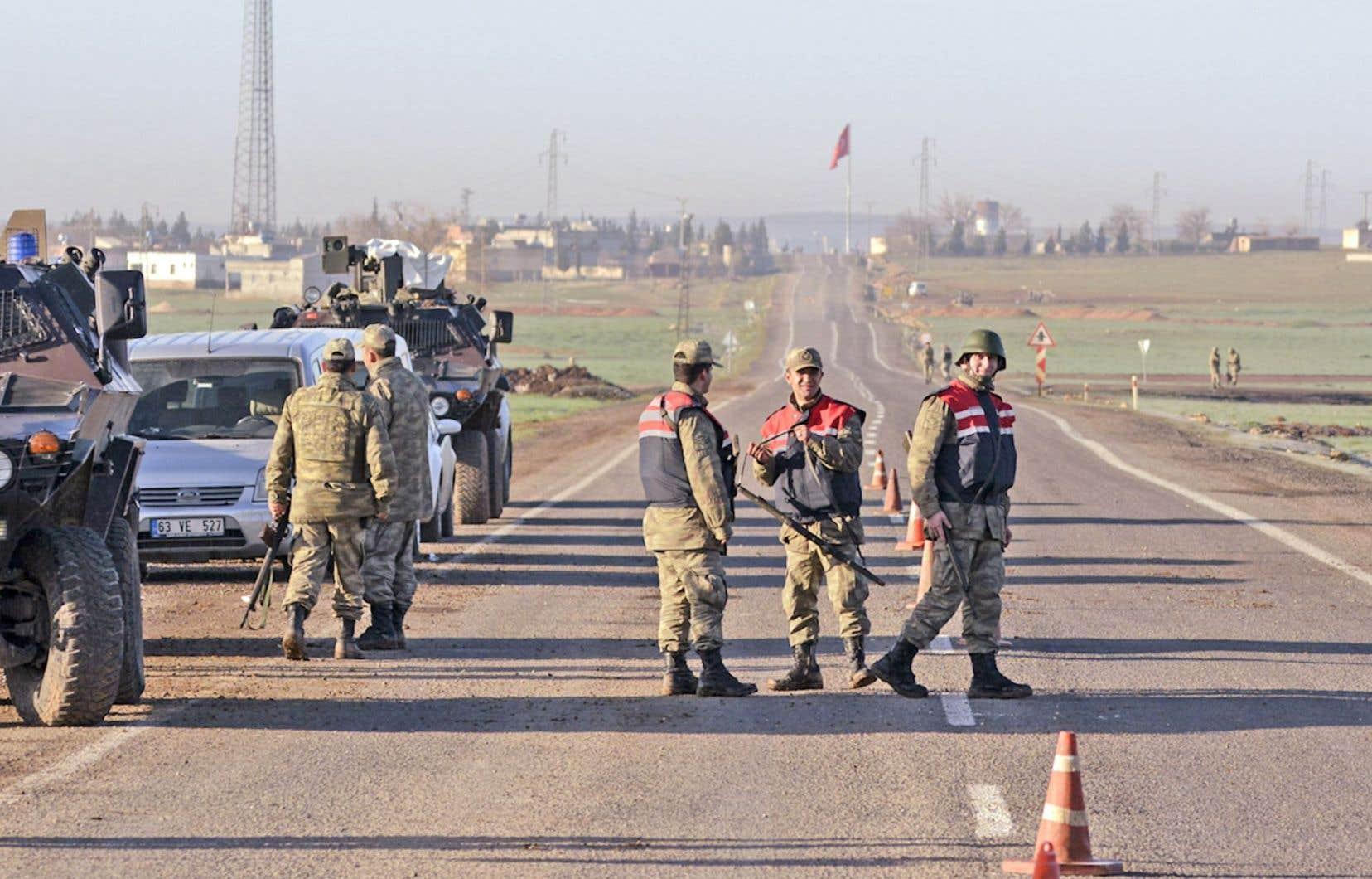 Le gouvernement turc a informé la Coalition nationale syrienne de son incursion.Une quarantaine de chars sont entrés en Syrie, mais cette incursion s'est achevée sans combats.