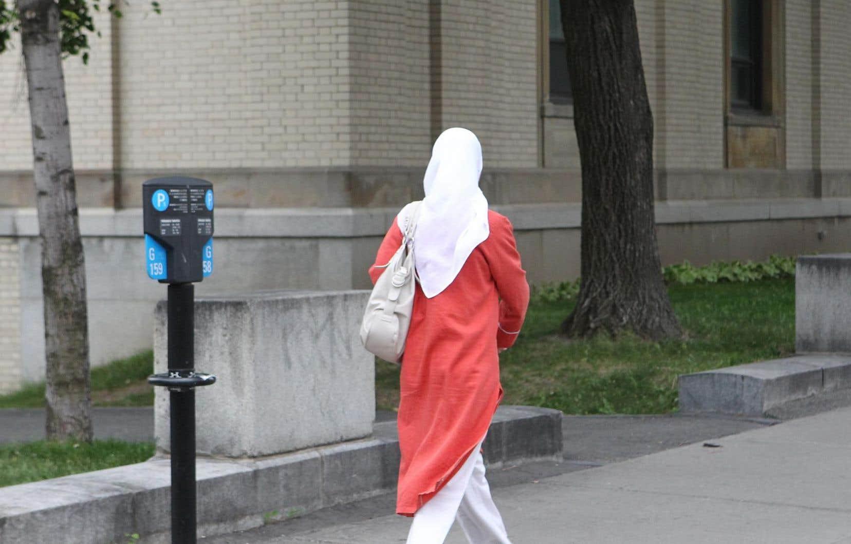 La juge de la Cour du Québec Eliana Marengo a demandé à plusieurs reprises le retrait d'un voile islamique.