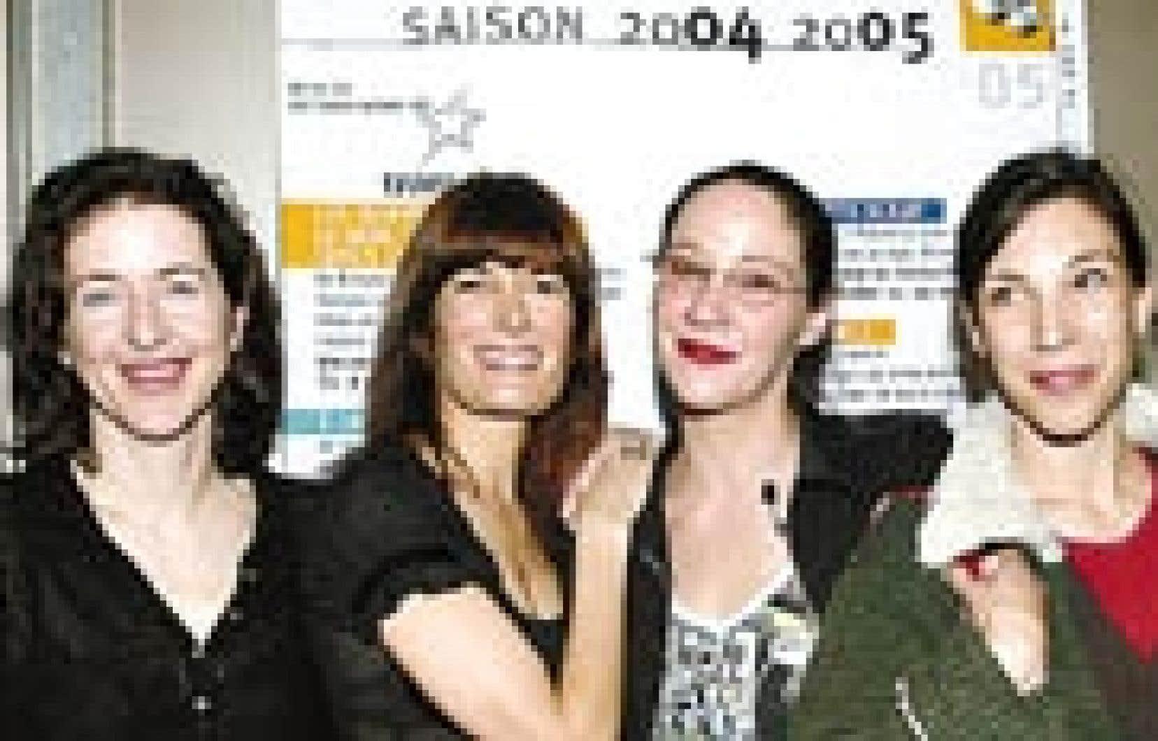 Marie-France Lambert, Anne-Marie Cadieux, Ginette Noiseux et Évelyne de La Chenelière étaient présentes hier lors du lancement de la saison 2004-05 de l'Espace Go.