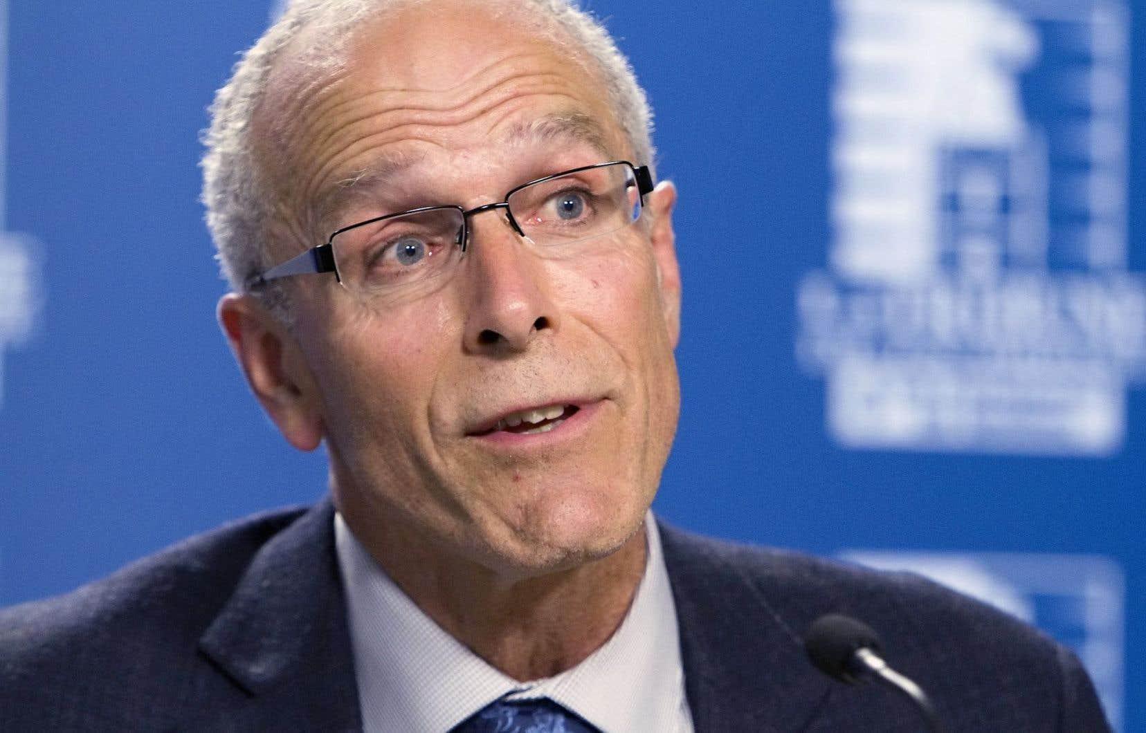 Québec refuse de répondre à l'appel à l'aide du maire François Boulay. Même les procédures judiciaires sont lourdes à porter pour la municipalité de 168 habitants.
