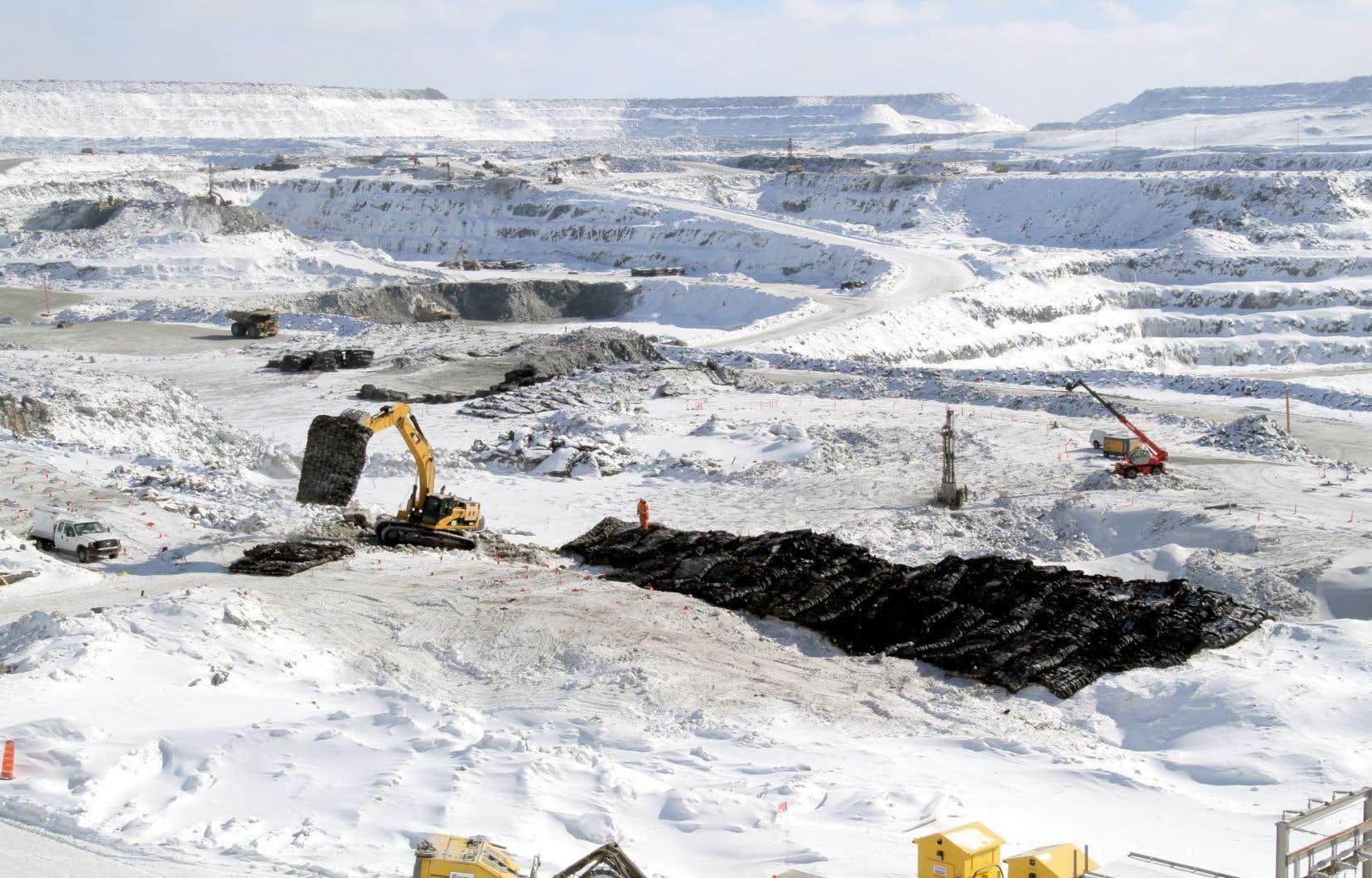 La mine à ciel ouvert a des projets d'expansion.