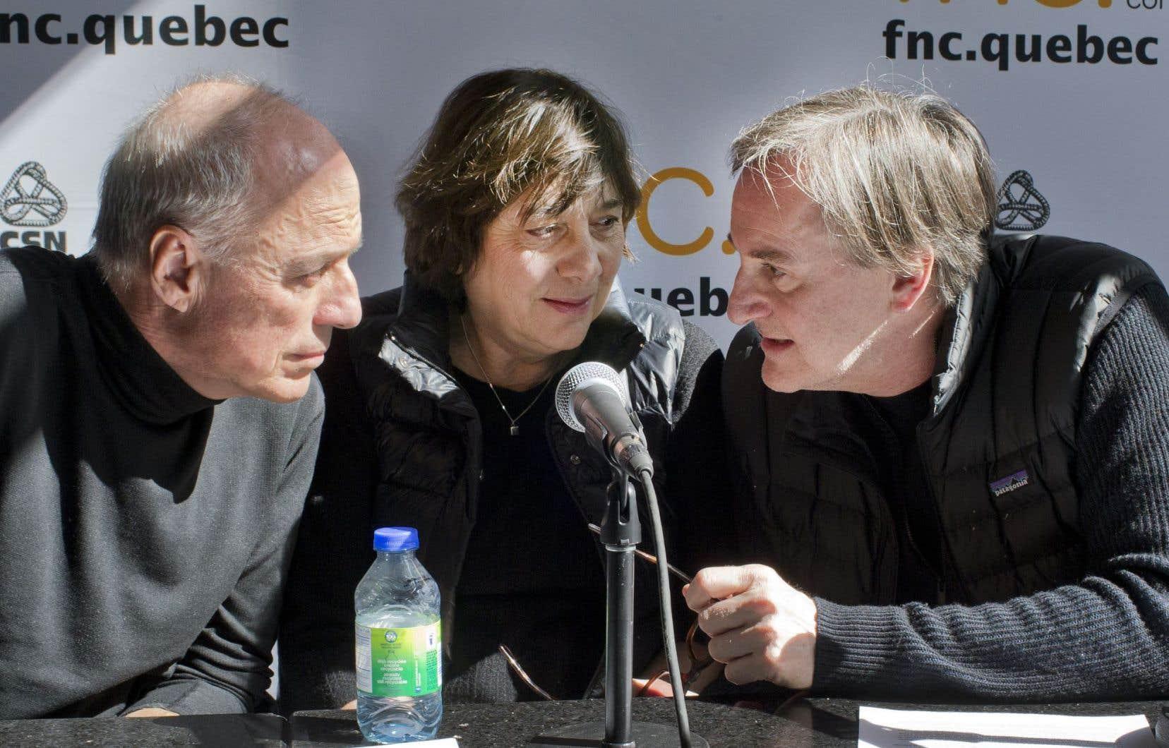 Les cinéastes Charles Binamé et Léa Pool en grande discussion avec le comédien Yves Jacques.