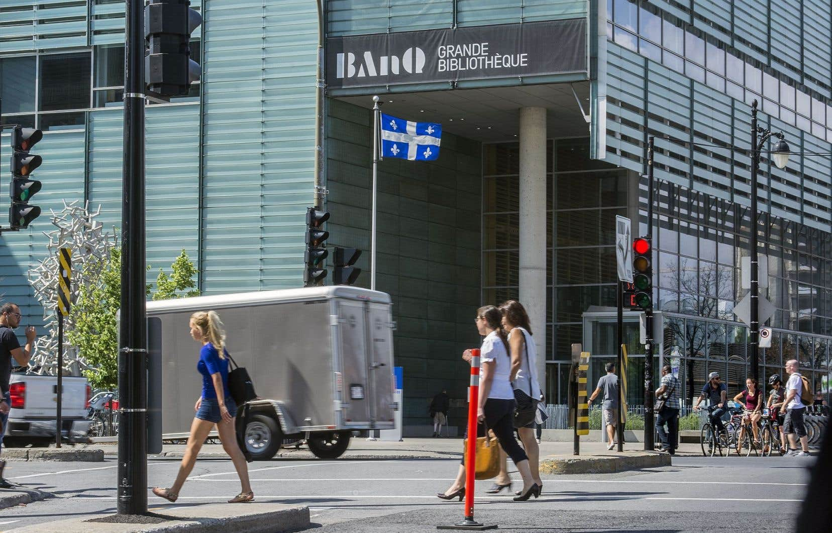 En matière de bureautique et d'informatique, BAnQ a beaucoup plus de ressources que la Cinémathèque, qui ne compte que quelque 50 employés.