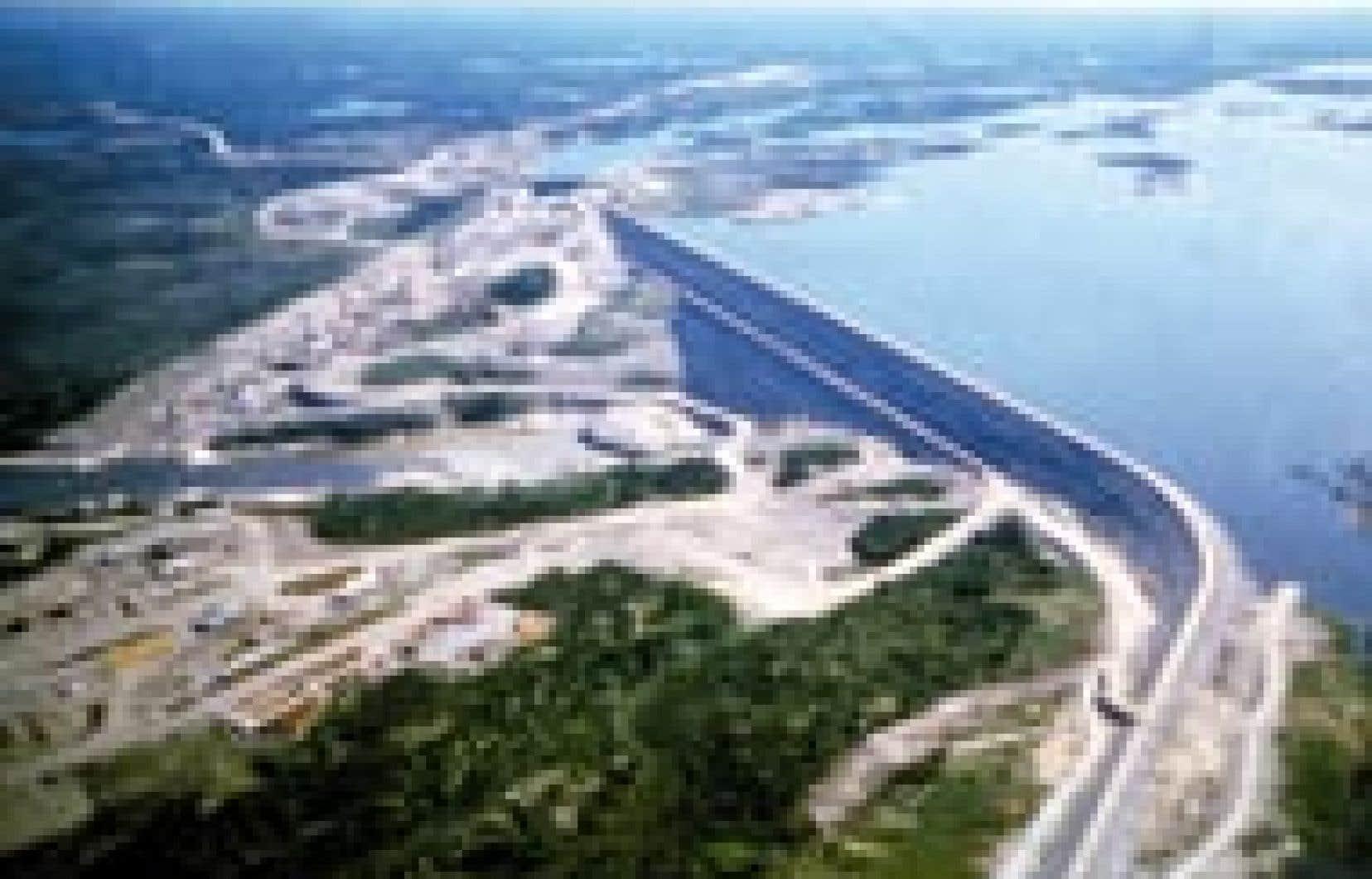 Photo: source hydro-Québec - Le barrage LG-2 sur la rivière La Grande. Les réservoirs d'Hydro-Québec émettent de grandes quantités de gaz à effet de serre que le Québec ne comptabilise pas encore.