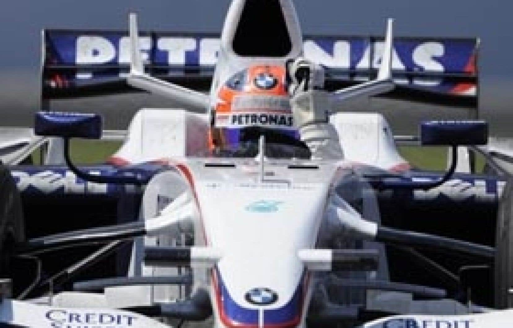 Le conducteur Robert Kubica célèbre sa victoire lors du dernier Grand Prix du Canada, couru le 8 juin 2008 à Montréal. Absent cette année de l'île Notre-Dame, l'événement pourrait bel et bien être de retour l'été prochain.