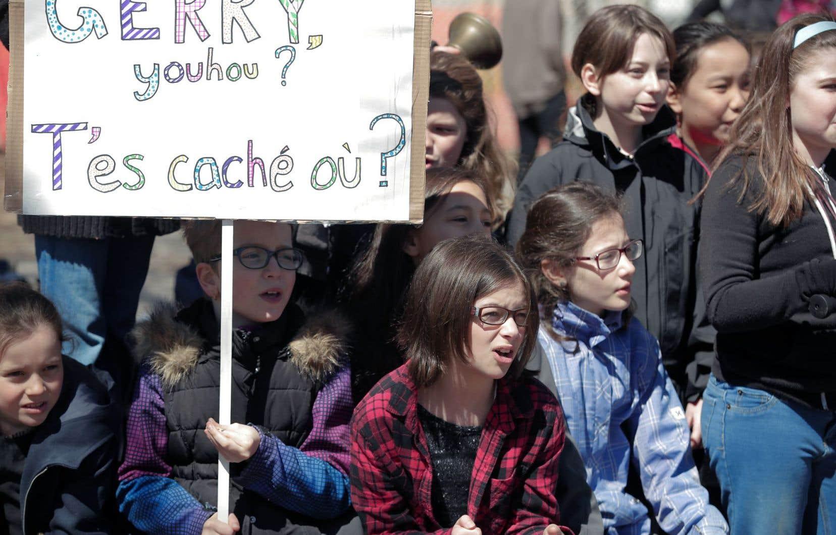 Parents et enfants s'étaient réunis dimanche sur le site de l'école pour réclamer un déblocage.