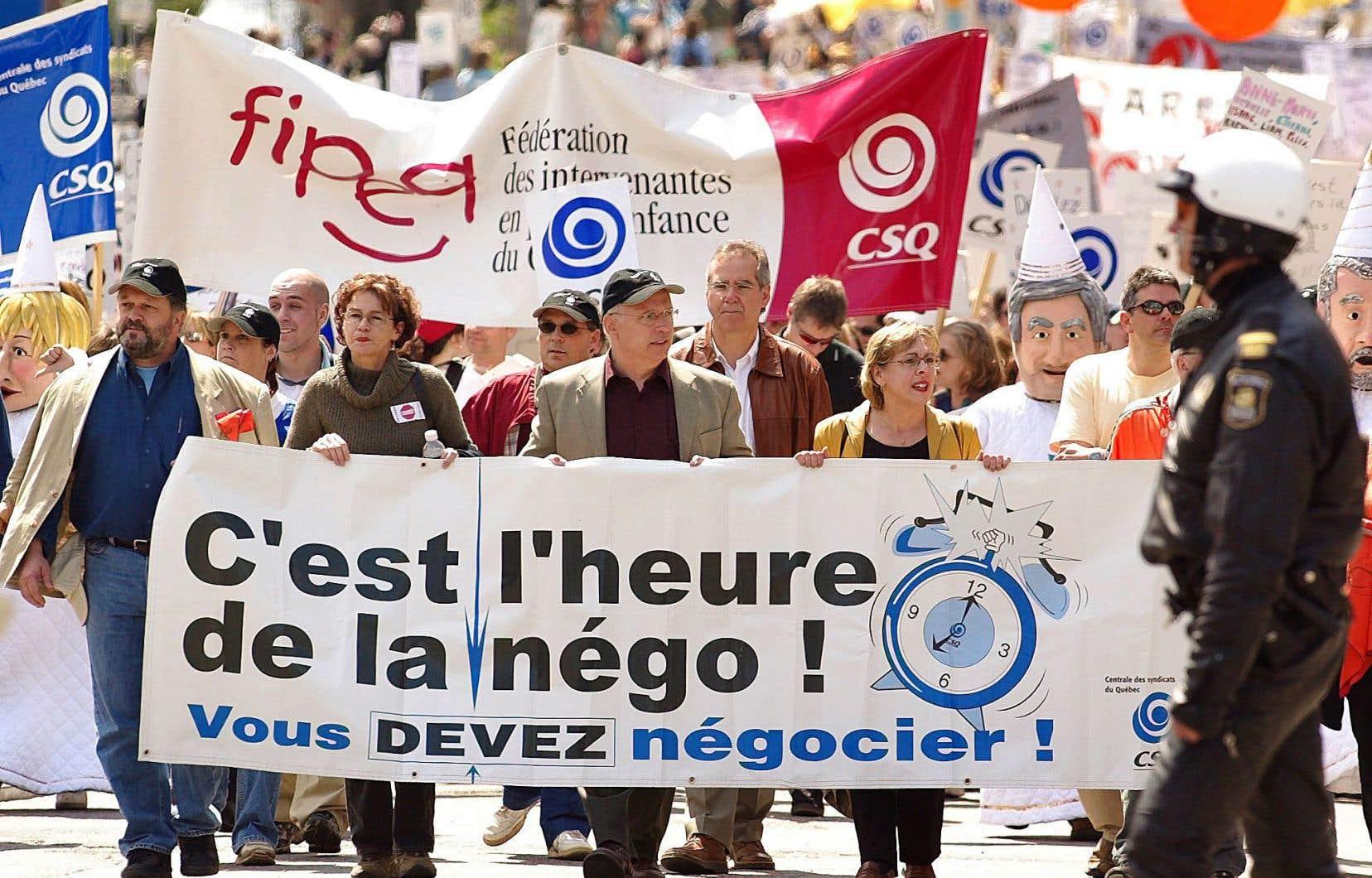 Alors que, dans la fonction publique, de nombreuses conventions collectives sont arrivées à échéance le 31mars dernier, nombre de syndicats ont préféré ne pas aller chercher des mandats de grève pour l'instant.