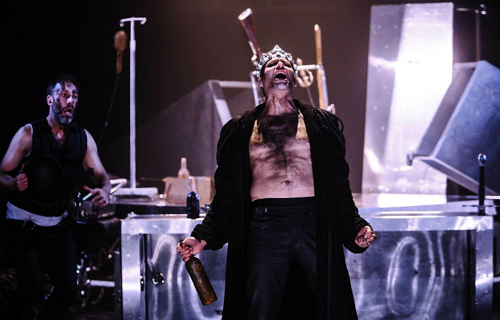 Jean-Sébastien Ouellette joue le personnage de Macbeth.
