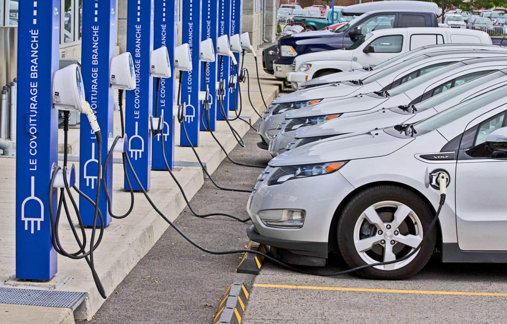 Toute hausse de subvention à l'achat de voitures électriques pénaliserait non seulement les contribuables, mais aussi les finances du Québec.