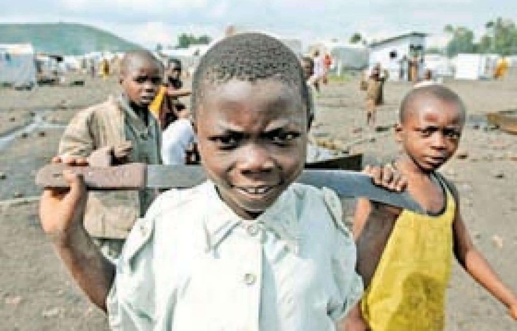 Des enfants d'un camp de déplacés dans la province congolaise du Kivu, en 2008