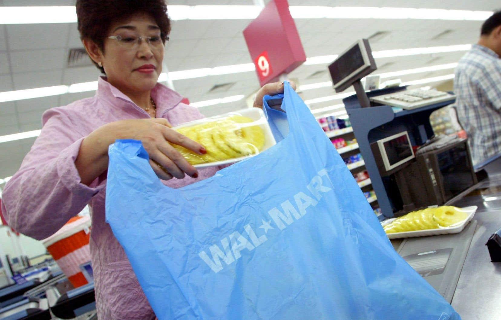 Chaque année, 500 milliards de sacs de plastique à usage unique sont distribués dans le monde.