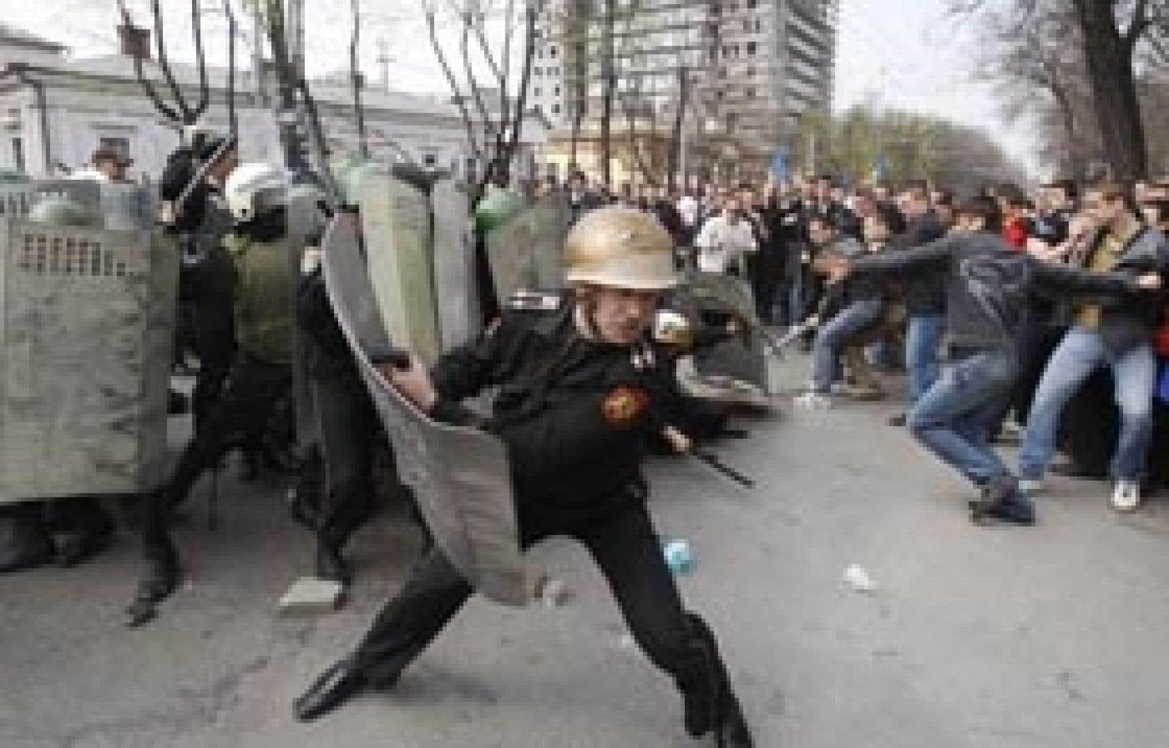 Pour la deuxième journée, les affrontements ont été violents hier, à Chisinau.