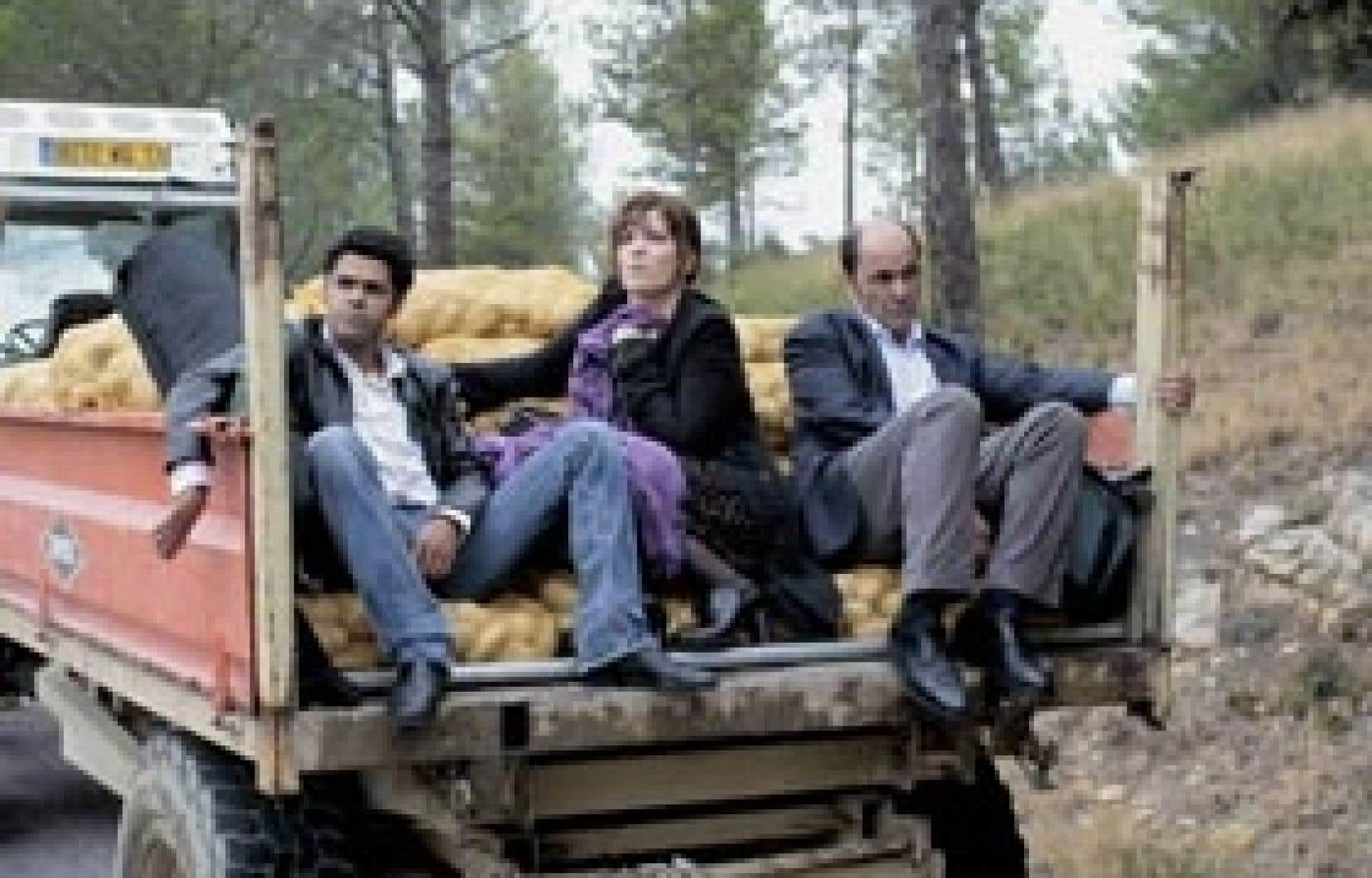 Jamel Debbouze, Agnès Jaoui et Jean-Pierre Bacri dans Parlez-moi de la pluie