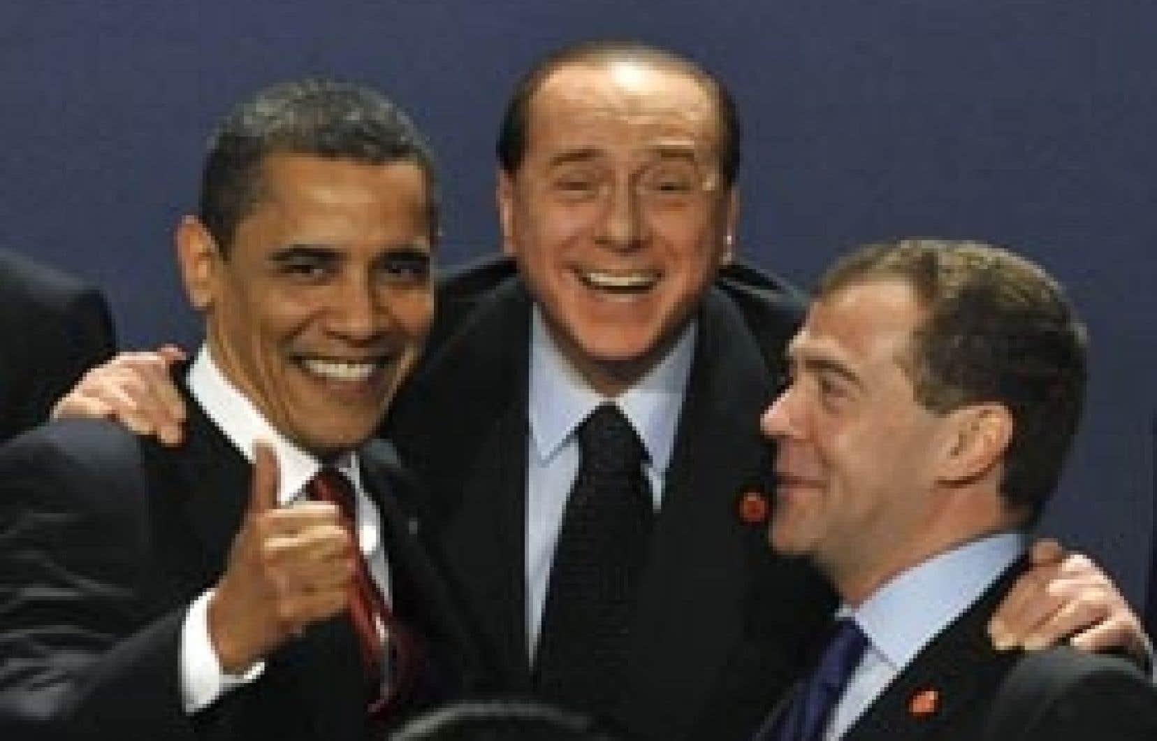 Barack Obama, le président italien Sylvio Berlusconi et le président russe Dmitri Medvedev, à l'issue du Sommet du G20 à Londres.