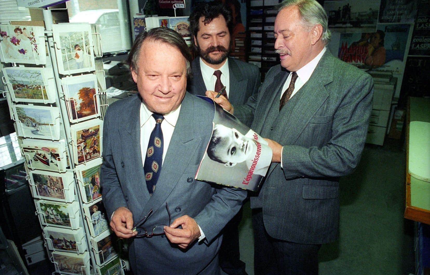 Bernard Landry a été ministre des Affaires internationales, de l'Immigration et des Communautés culturelles dans le cabinet Parizeau dans les années 1990.