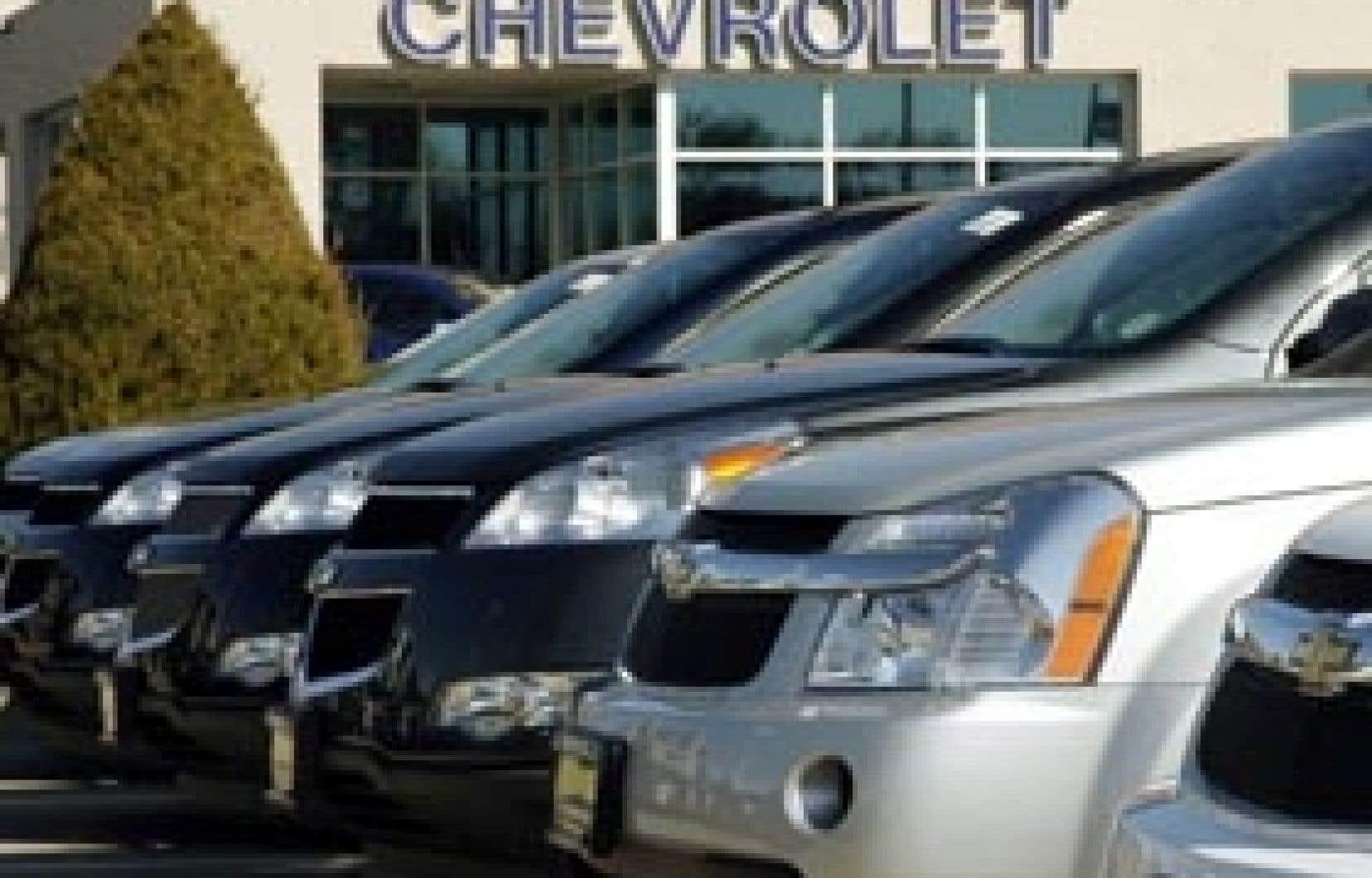 GM a annoncé hier qu'aux États-Unis, ses ventes de véhicules neufs avaient chuté de 45 % en mars.