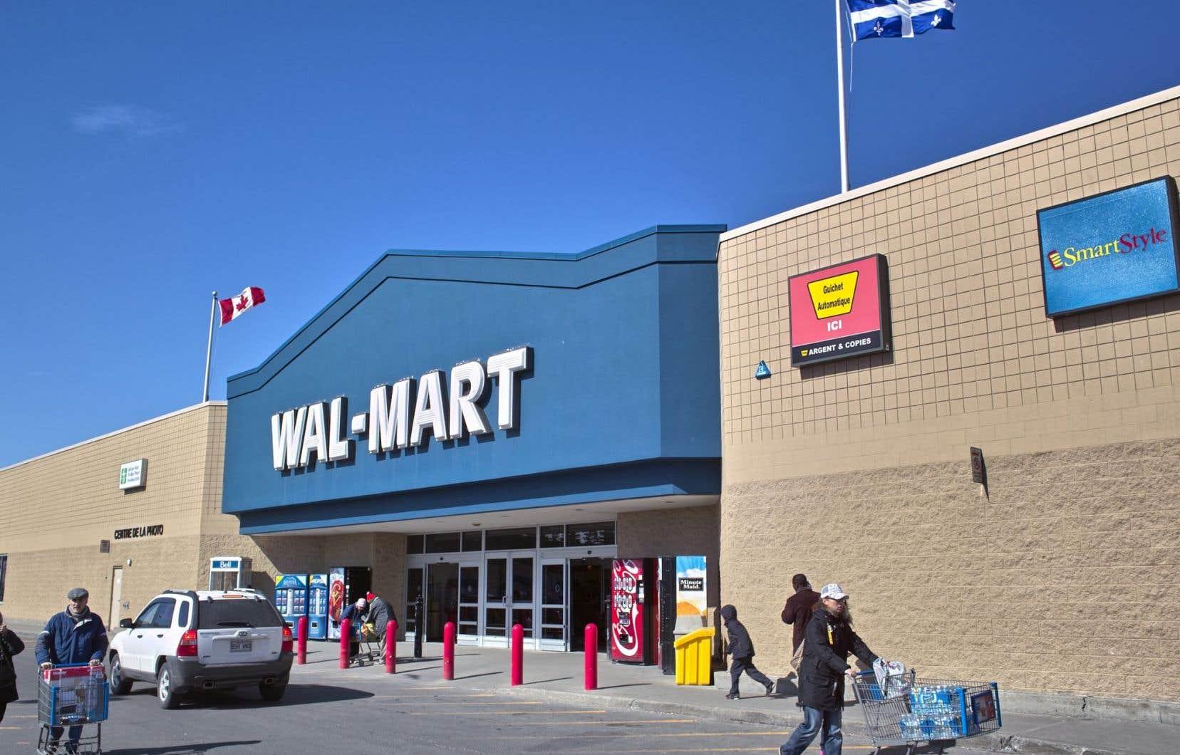 Les chaînes comme WalMart, Costco et Best Buy échappent à la loi 101 parce qu'elles utilisent leur marque de commerce.