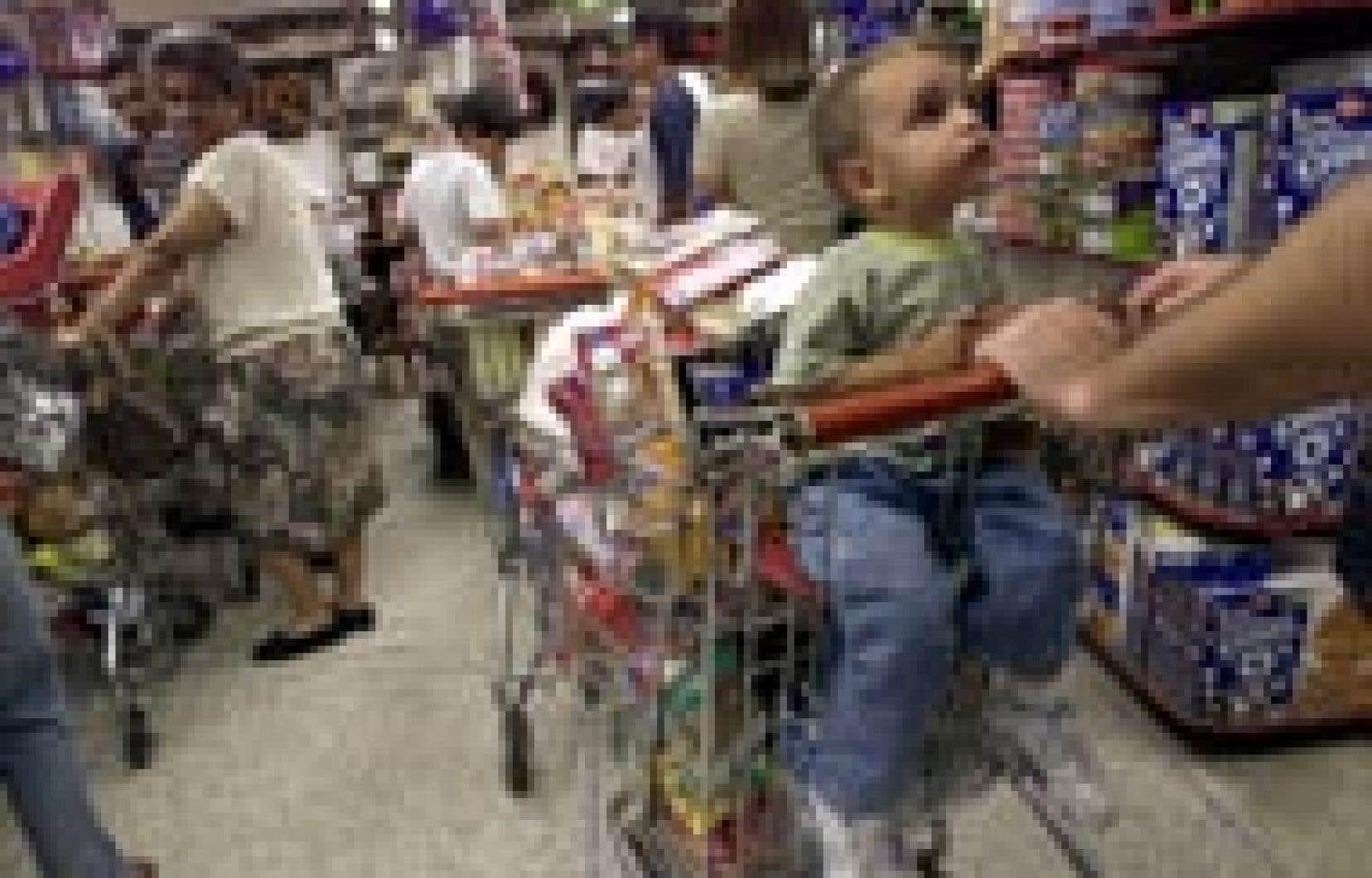 Les consommateurs emmagasinent à Cararas alors qu'au 18e jour de grève générale s'installe la pénurie alimentaire.