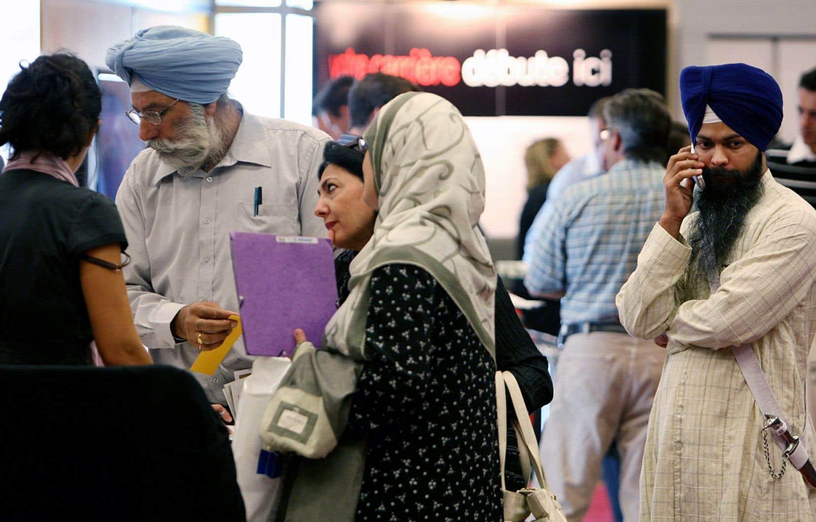 La catégorie des immigrants économiques représentera presque 65 % du total des admissions au Canada en 2015.