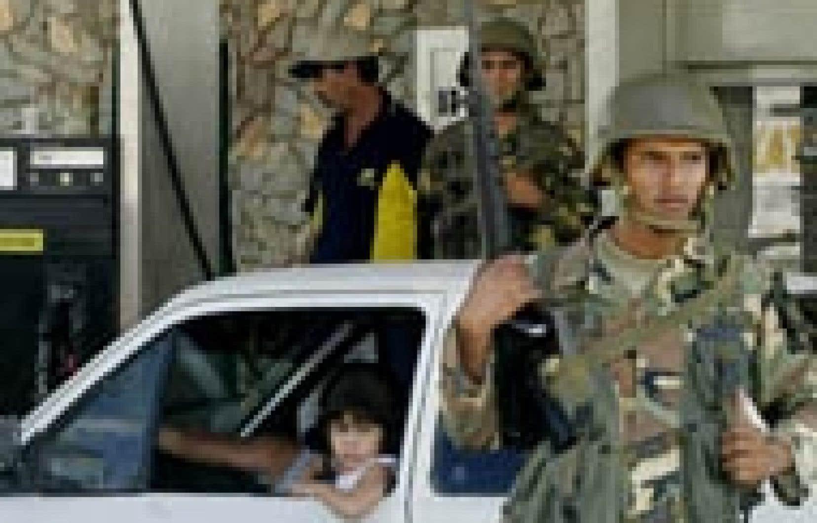 L'armée a débarqué dans les stations-service au Venezuela où la grève entre dans sa deuxième semaine.