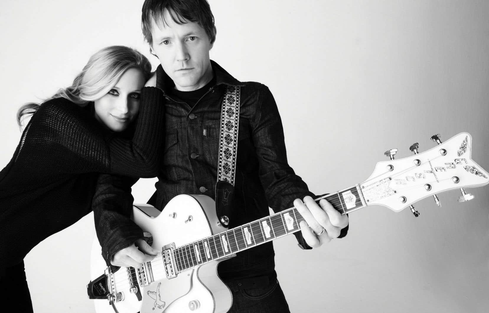 Le duo ontarien Whitehorse est formé de Luke Doucet et Melissa McClelland.