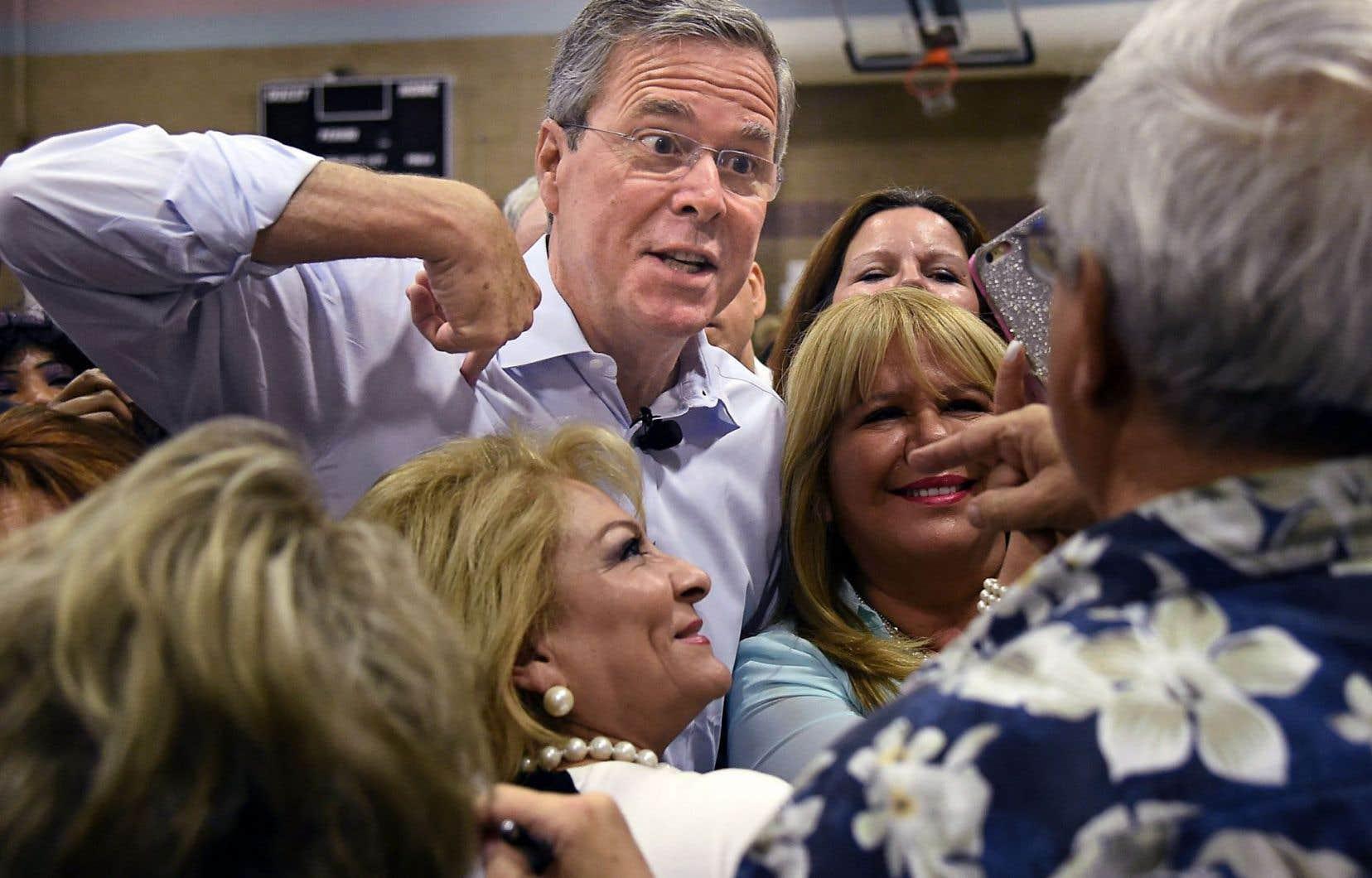 Avant même de devenir gouverneur, Jeb Bush se présentait ouvertement comme aussi, voire plus à droite que son frère George W.