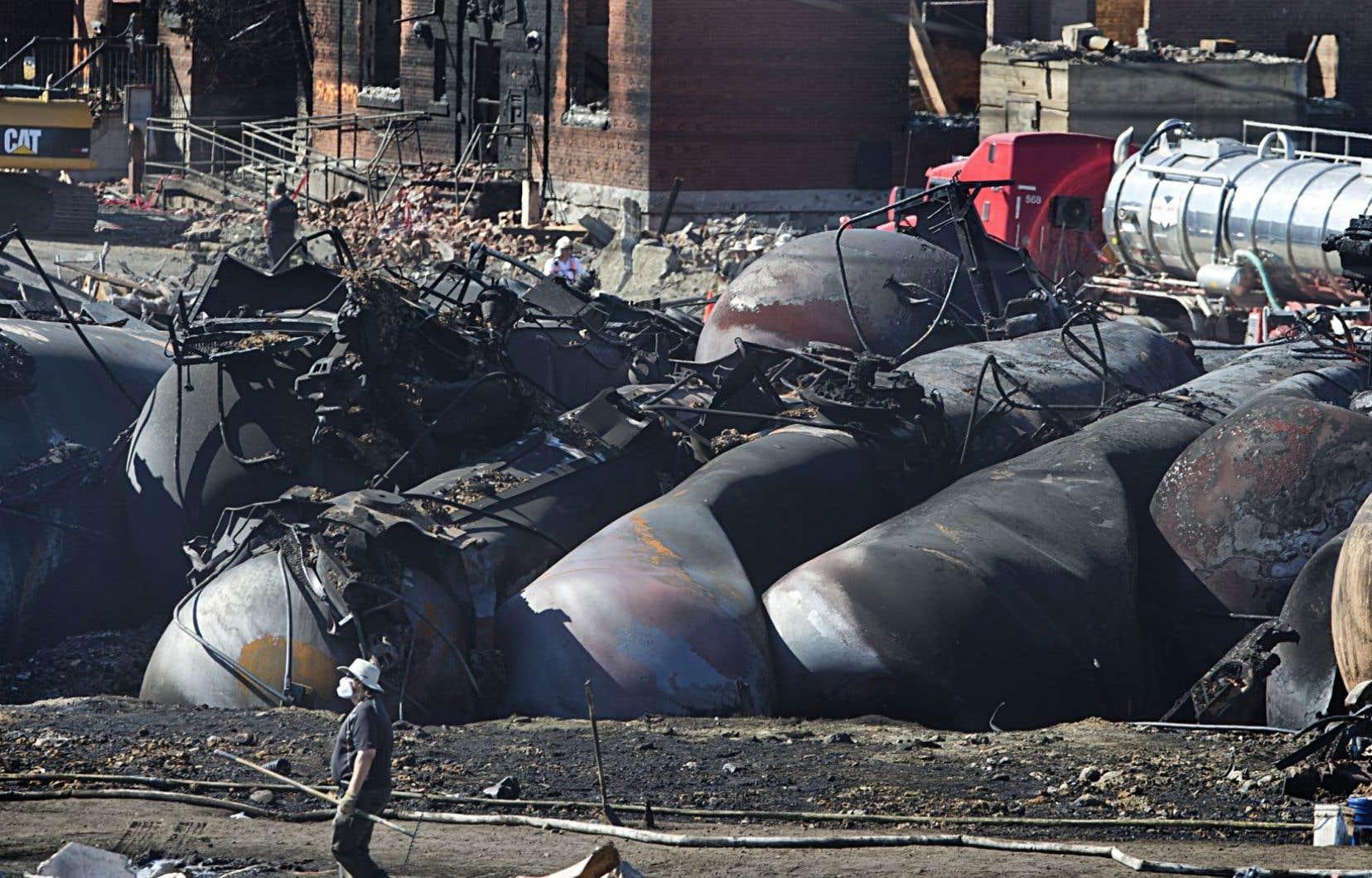 La communauté, marquée à jamais par la tragédie du 6juillet 2013, marche ce samedi pour dénoncer le retour prévu dès janvier du transport ferroviaire du pétrole au centre-ville de Lac-Mégantic.