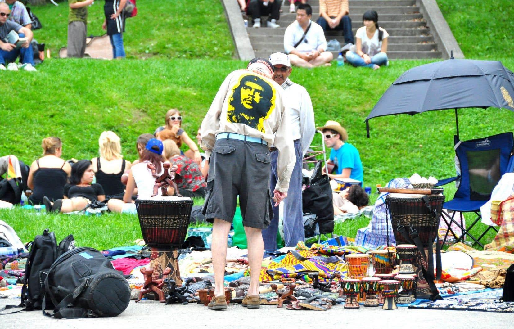 Les Amis de la montagne estiment que l'actuelle tolérance de différents usages interdits favorise leur prolifération.