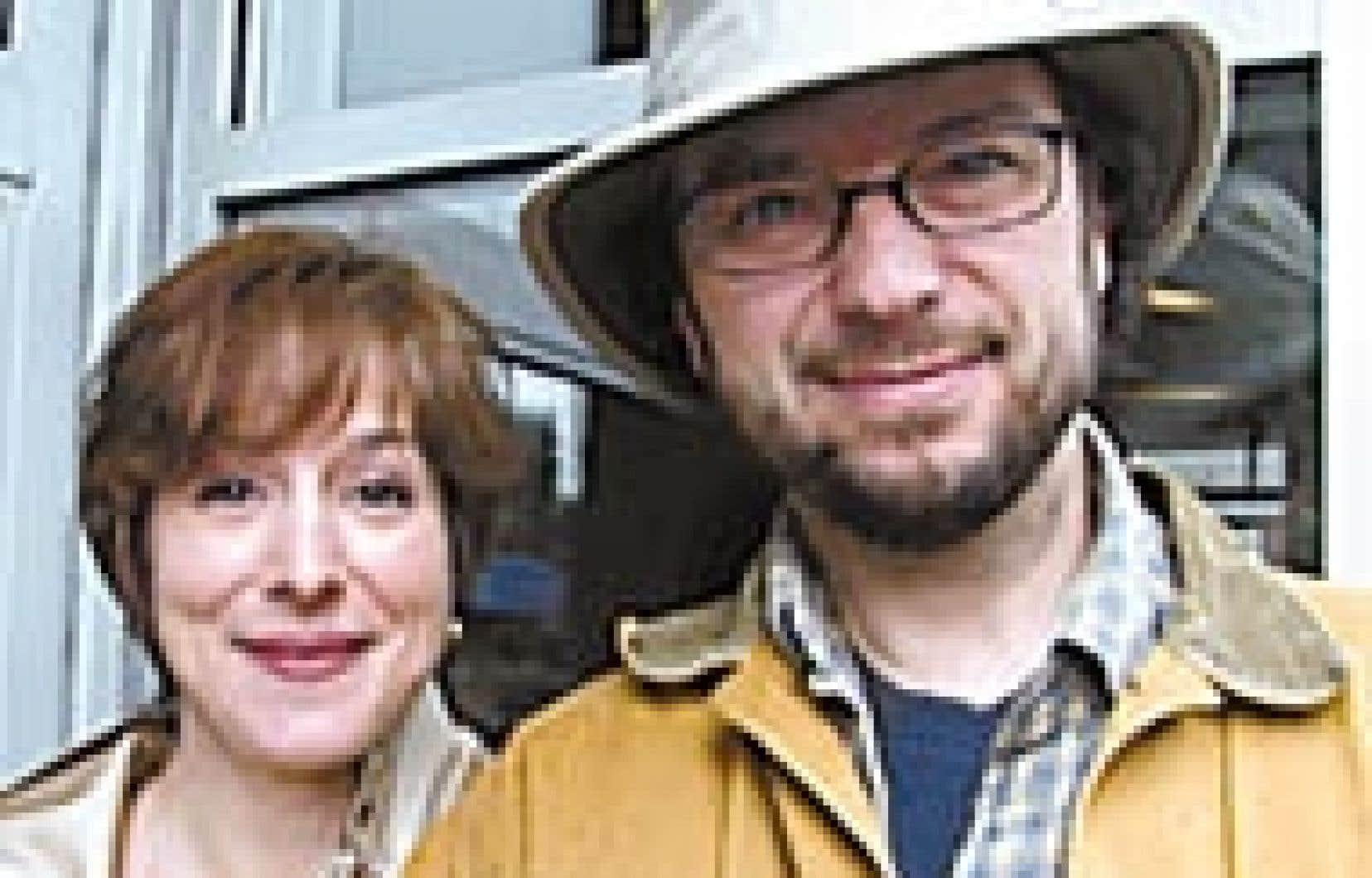Notre journaliste Carole Vallières en compagnie de Michel Rivard.