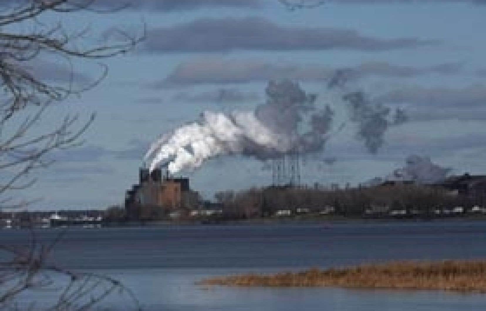 En 2001, la région de Sorel-Tracy et du lac Saint-Pierre a été désignée en tant que Réserve mondiale de la biosphère par l'UNESCO, malgré la persistance de plusieurs usines polluantes.